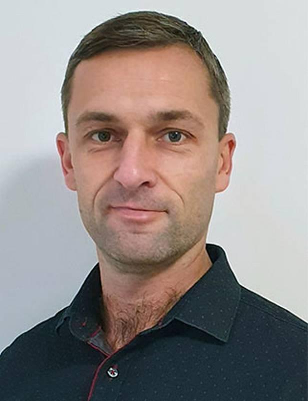 Předseda fotbalistů Ivančic a taky stále aktivní hráč Tomáš Čožík.