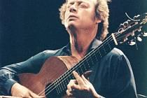 """Victor Monge """"Serranito"""" již posbíral řadu hudebních ocenění a vyznamenání. Profiluje se také jako velký znalec kultury flamenca."""