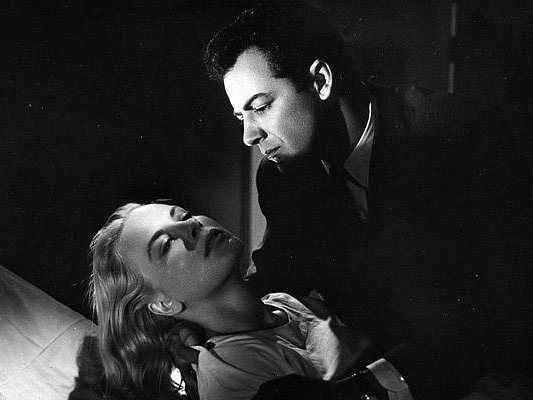 Film noir režiséra Josepha H. Lewise Velká kombinace (The Big Combo) je na programu ve čtvrtek.