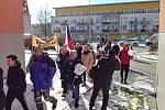 Protest před bytem ministra školství Roberta Plagy v brněnských Medlánkách.