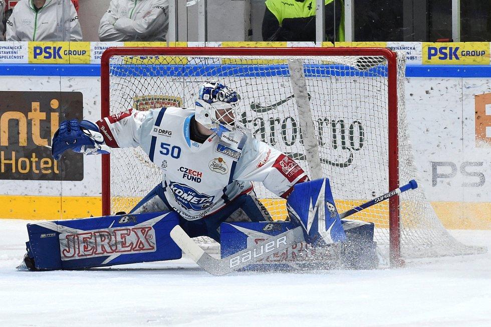 Brno 1.3.2020 - domácí HC Kometa Brno Karel Vejmelka (bílá) proti Rytířům Kladno (modrá)