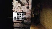 Kasematy na hradě Špilberk si lidé nově mohou projít i s tabletem v ruce. Pomocí něj si v kasematech zahrají šifrovací hru a díky rozšířené realitě se setkají se známými špilberskými vězni.