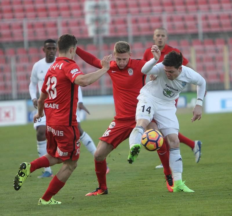 Fotbalisté Zbrojovky podlehli na domácím trávníku Mladé Boleslavi 2:3.