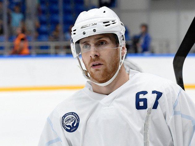 Hokejový útočník Lukáš Kucsera.