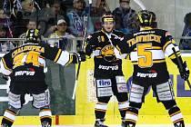 Hokejisté brněnské Komety prohráli v extraligovém semifinále i třetí zápas 0:3, nepomohla jim ani výhoda domácího prostředí.