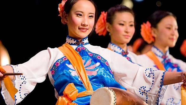 Mozaiku západní a východní hudby doplněnou klasickým čínským tancem, který se v čínské tradici utvářel tisíce let, v novém vystoupení představí soubor Shen Yun.