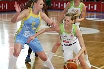 Basketbalistky ZVVZ USK Praha vyhrály v Brně druhý zápas ligového finále nad týmem Frisco IMOS 88:61.