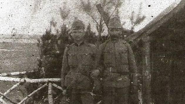 Setkání otce a syna na ruské frontě.