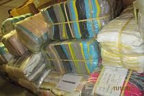Více než šest tisíc kusů padělaného oblečení za šest milionů korun zadrželi jihomoravští celníci při kontrole v Brně.