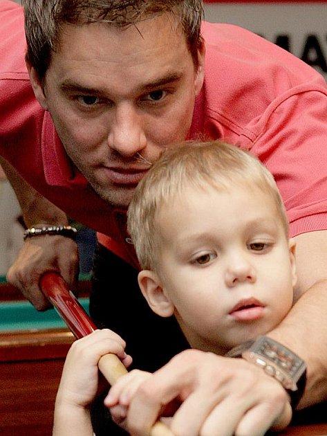 Petr Švancara se synem.