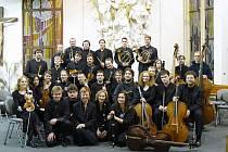 Visegrádský barokní orchestr. Barbara Maria Willi založila tento orchestr v roce 2006.