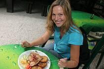Herečka Klára Apolenářová si ráda dopřává vydatný oběd