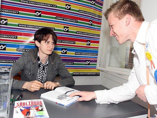 V brněnském knihkupectví Dobrovský měla ve středu autogramiádu nejúspěšnější olympionička ČR z Vancouveru Martina Sáblíková.