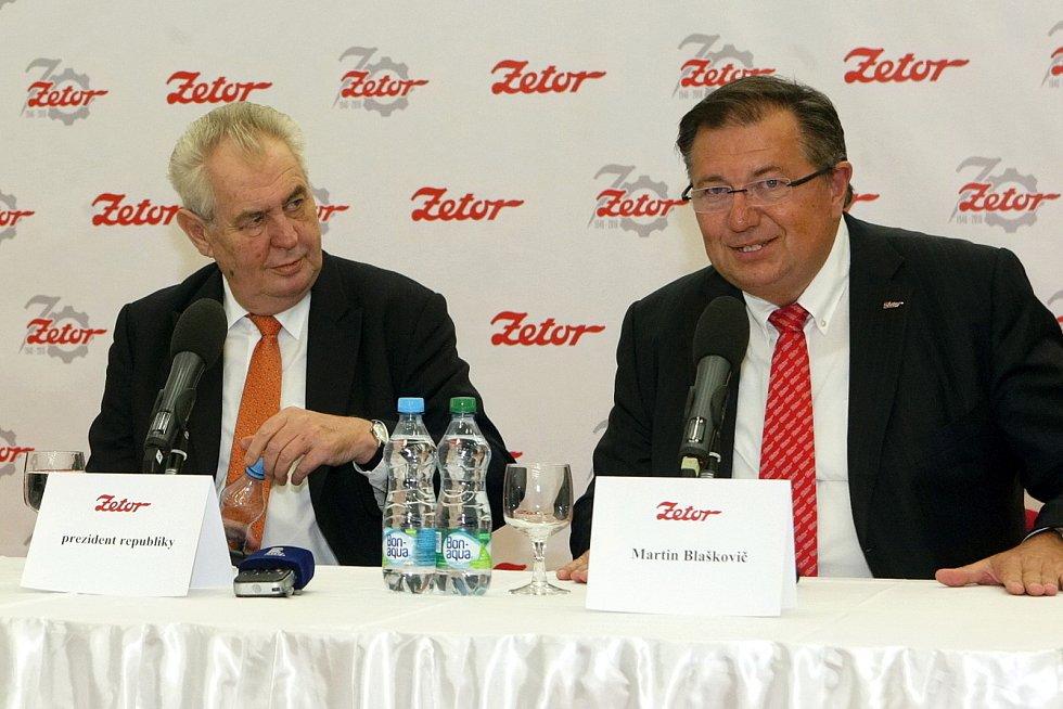 Prezident zavítal do firmy Zetor.