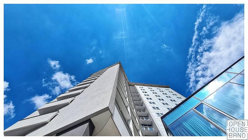 Na sedmnáct tisíc návštěvníků zavítalo 29. a 30. května na programy čtvrtého ročníku festivalu Open House Brno. Na snímku je Hotel Continental.