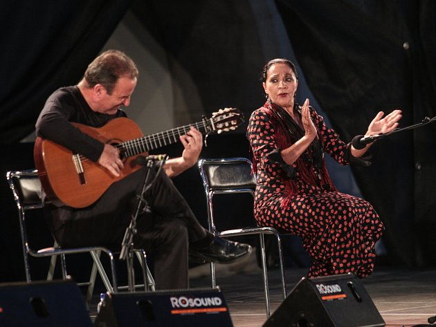 Pětadvacátý ročník Mezinárodního kytarového festivalu zahájila v neděli večer Noc flamenca na nádvoří hradu Špilberk.