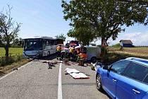 U Ořechova se v úterý odpoledne srazil autobus s osobním autem.