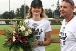 Tereza Fajksová čestným nadhozem zahájila finále Českého baseballového poháru.