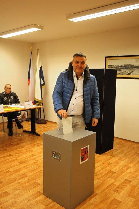 Petr Vokřál volil při prezidentských volbách v Kníničkách.