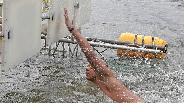 Brněnský Garoma Plus maraton na přehradě.