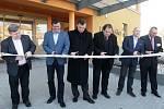Zařízení pro sto klientů, většinou s Alzheimerovou chorobou či demencí. Tak vypadá nově otevřený Domov u Františka v Újezdu u Brna, který v pátek odpoledne rok a měsíc po zahájení stavby otevřeli.