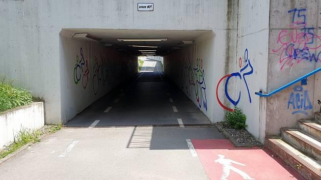 Podjezd pod Heršpickou ulicí v brněnských Štýřicích, 27. července 2021.