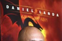 Zpěvák a skladatel Daniel Landa