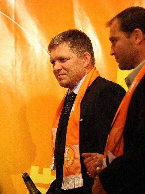 Start volební kampaně ČSSD přijel podpořit slovenský premiér Fico