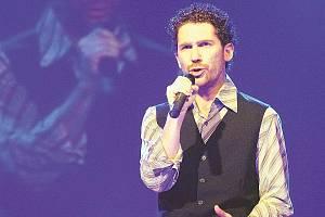 Robert Jícha vystupuje kromě brněnského Městského divadla také v Hudebním divadle Karlín Praha.