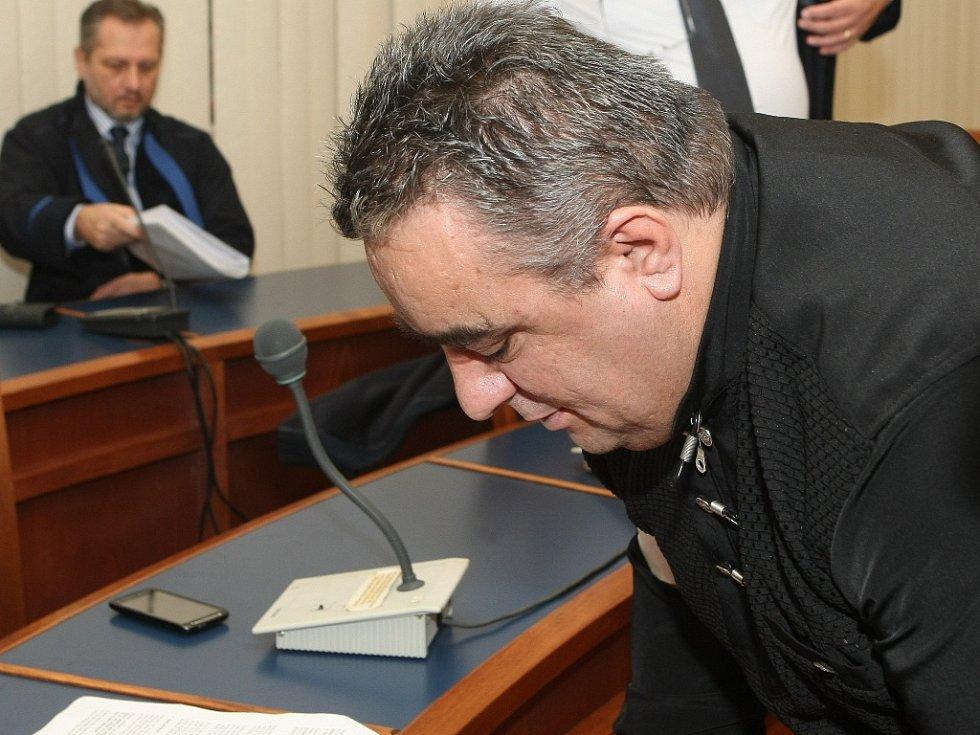 Znojemský podnikatel Bairam Pireci u soudu.