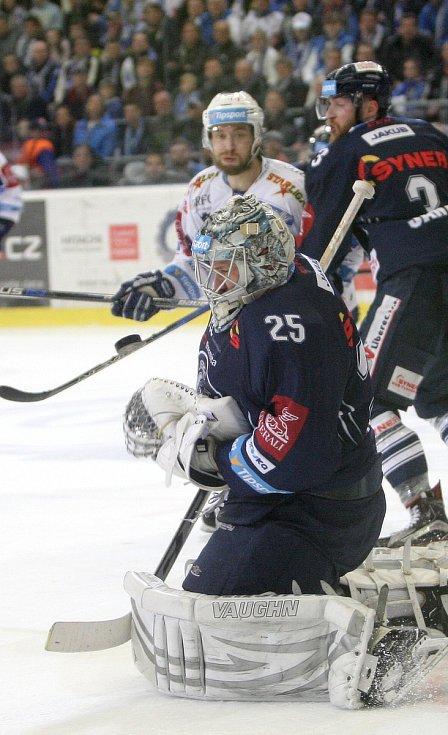Hokejisté brněnské Komety ovládli třetí finálové utkání 3:0 a stejným poměrem vedou i v celé sérii s Libercem hrané na čtyři vítězství.