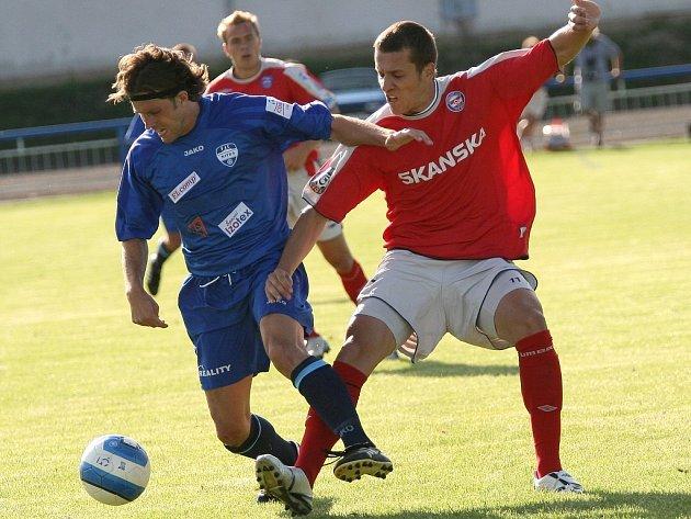 Martin Kuncl (v červeném)