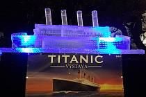 Titanic z ledu vytvořili na Moravském náměstí v Brně.