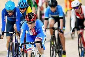 Dráhová cyklistka pražské Dukly Jarmila Machačová obsadila na mistrovství světa v Berlíně čtrnácté místo v bodovacím závodě.