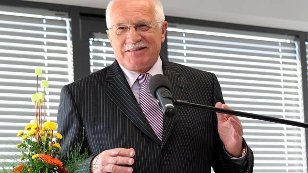 Prezident Václav Klaus má projev v areálu Spilberk Office.