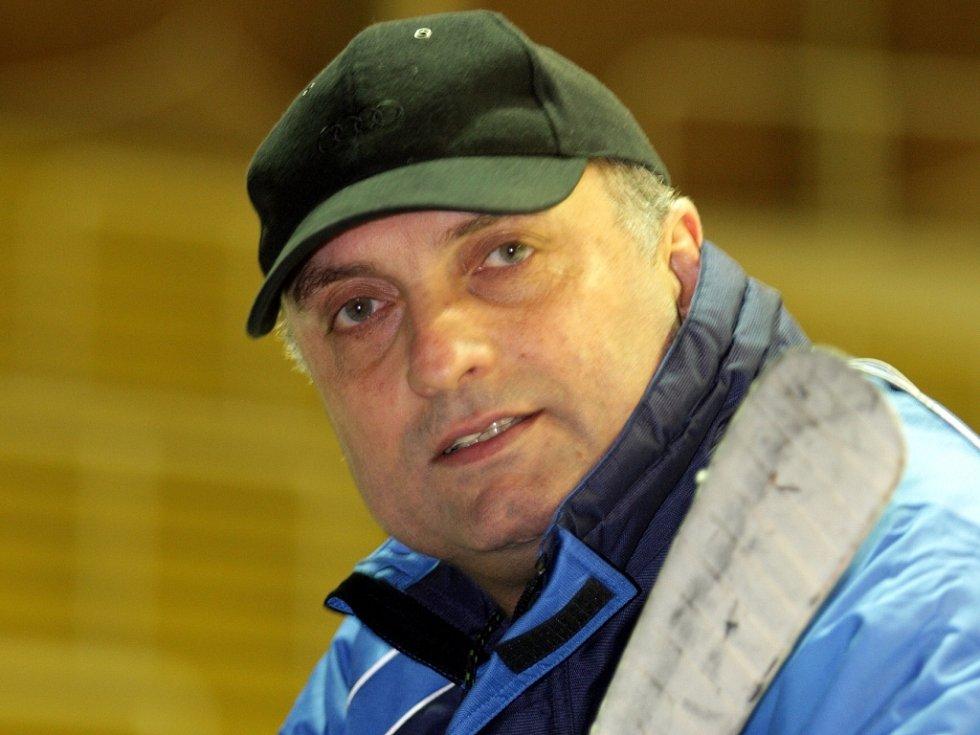 Trenér Komety Vladimír Kýhos