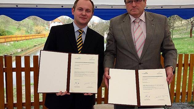 Hejtman Jihomoravského kraje Michal Hašek a hejtman kraje Vysočina Jiří Běhounek.