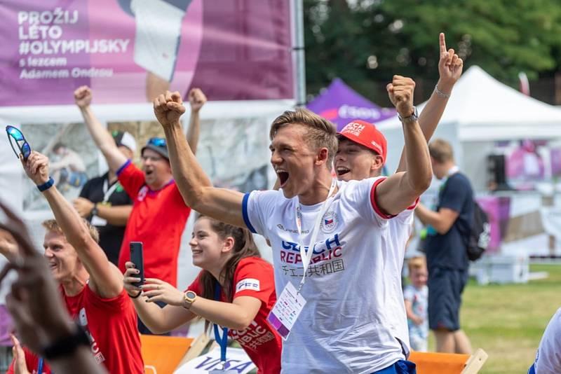 Šermíř Marek Totušek sledoval pondělní výkon svého kamaráda Alexandera Choupenitche na olympijském festivalu v Brně. Foto: Radek Miča