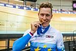 Dráhový cyklista Tomáš Bábek vyhrál na mistrovství Evropy v Paříži keirin a navázal na loňské zlato Pavla Kelemena v téže disciplíně.