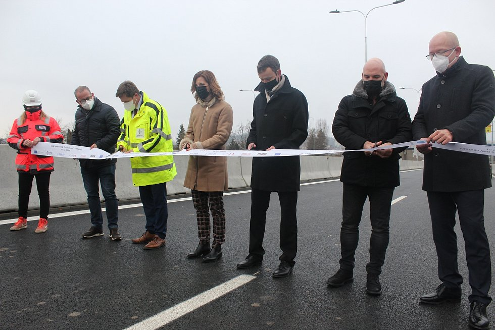 Slavnostní otevření první etapy velkého městského okruhu v brněnské Žabovřeské ulici.