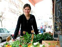 Jaké je povolání květinářky? V pravidelném seriálu Rovnosti si to vyzkoušela redaktorka Kateřina Foltánková.