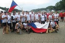 Juniorští závodníci na dračích lodích si z Amsterodamu vezou dvě medaile.