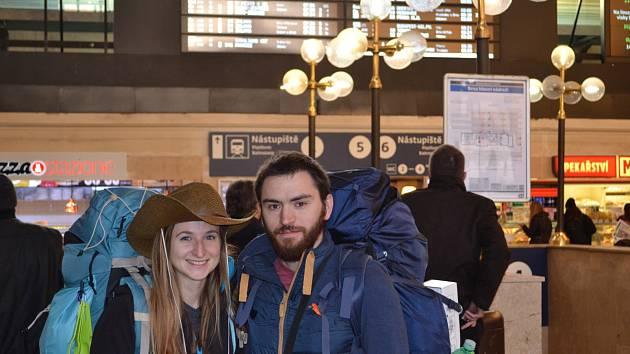 V pondělí pár z brněnského hlavního nádraží odcestoval na letiště do Prahy, kde potřebovali chytit spoj do španělského Madridu.