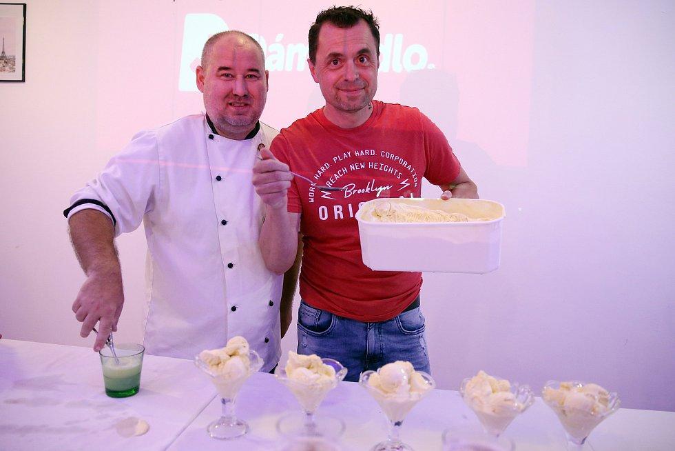 Maxijedlík Jaroslav Němec předvedl své umění v nově otevřené restauraci Bonjour v Jiráskově ulici v Brně.