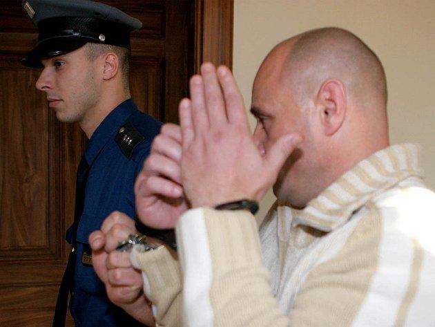 Krajský soud zpřísnil Josefu Kadeřábkovi trest.