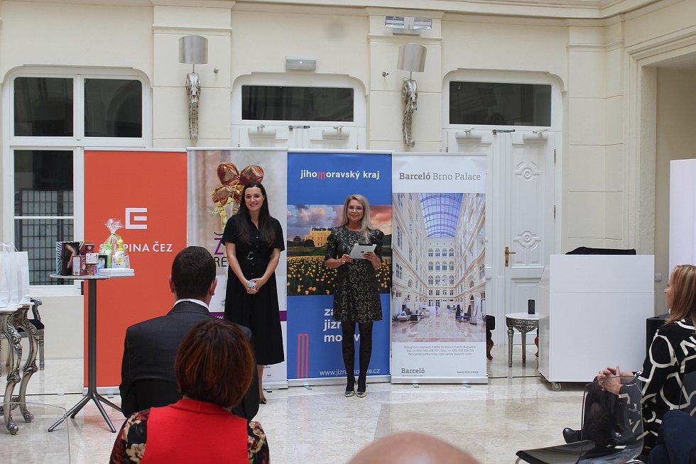 Zakladatelka projektu Žena regionu Denisa Kalivodová (vlevo).