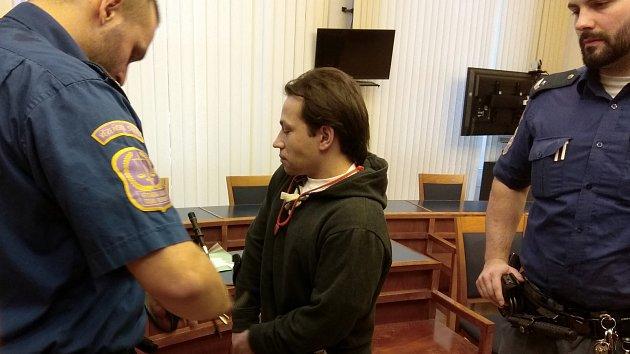 Antonín Štraubert je obžalovaný z vraždy dvou starších lidí v rodinném domě v Břeclavi.