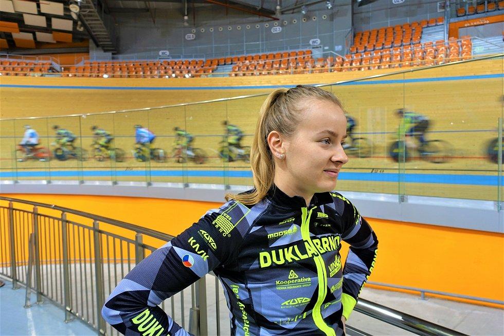 Dráhoví cyklisté brněnské Dukly  (Veronika Jaborníková) strávili další dva týdny na soustředění v Bulharsku.