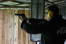 Speciální střelecký výcvik hodonínských strážníků.