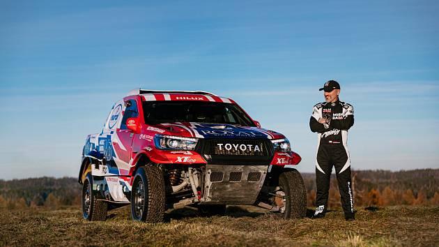 Předjet Toyotu je skoro nemožné, říká Ouředníček. Japonský vůz chystá na Dakar